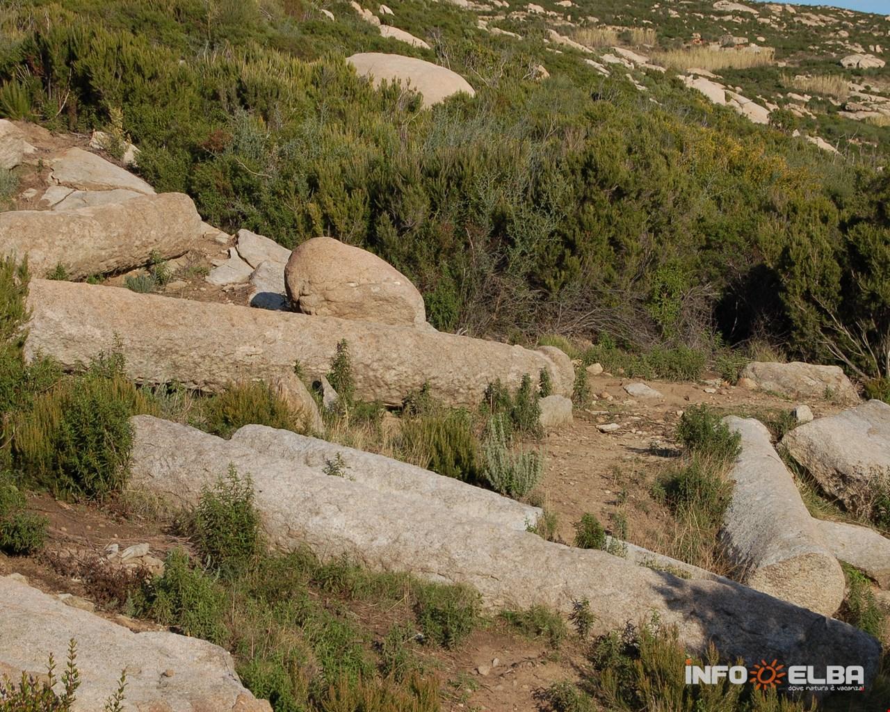 Colonne in granito risalenti presumibilmente intorno all'anno mille