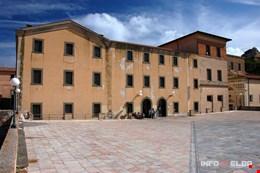 Centro Culturale e Congressuale a Portoferraio ed ex convento S. Salvatore