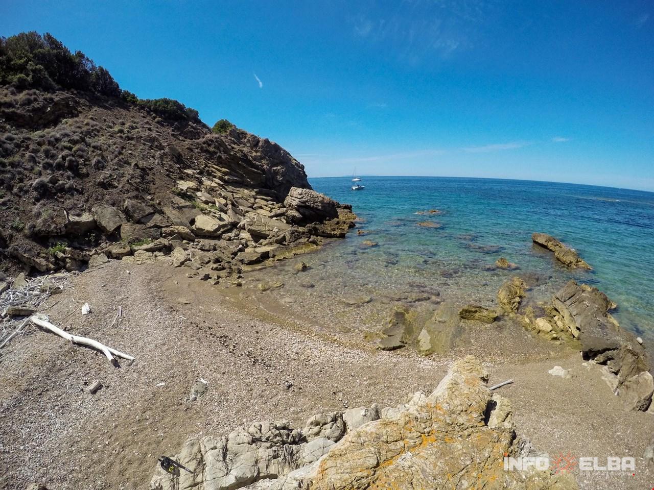 Rosa Secca Cosa Fare spiaggia de le secche a rio nell'elba