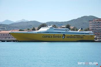 Nave per l'Elba della Compagnia Corsica Ferries