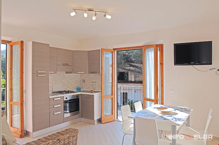 Appartamenti casa pineta all 39 isola d 39 elba a marina di for Foto di appartamenti arredati